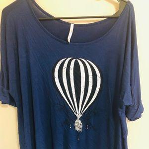 Blue ModCloth hot air balloon flowy tee l top
